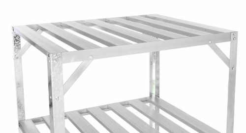 Hliníkový regál s lehkou konstrukcí