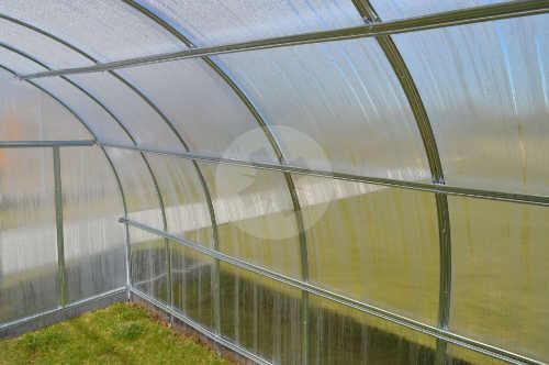 Robustní a na montáž nenáročný zahradní skleník