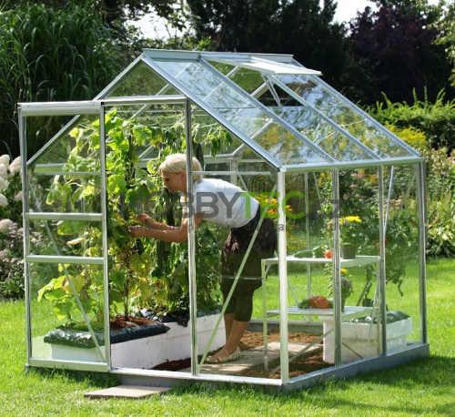 Skleněný skleník do menší zahrady