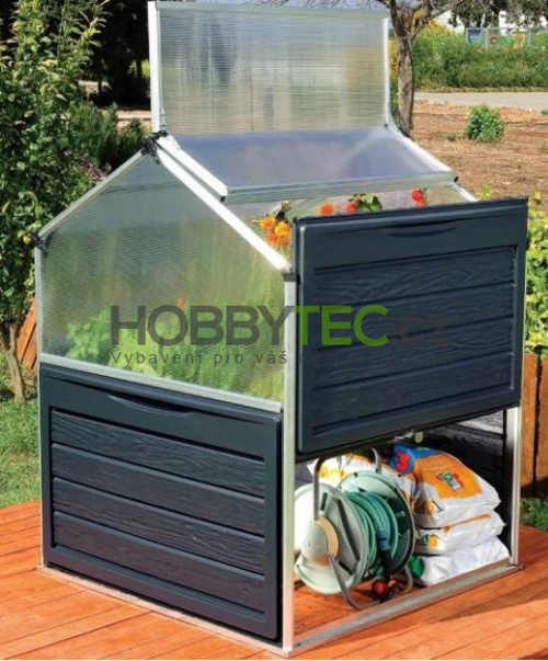 Úložný prostor pod skleníkem