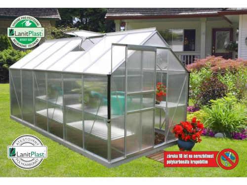 Zahradní skleník v klasickém provedení