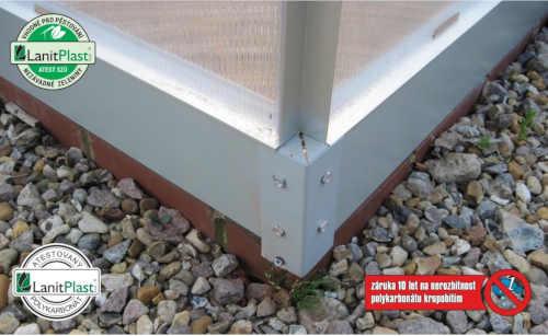 praktický a kvalitní skleník stříbrný