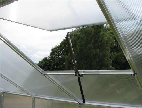 praktický automatický otvírač na střešní okno skleníku