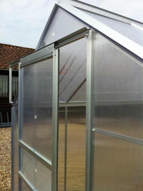 skleník do zahrady z hliníku a polykarbonátu