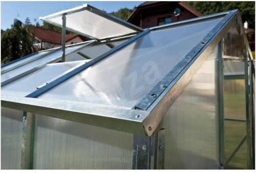 skleník ze zinkovaného plechu bez nutnosti základny