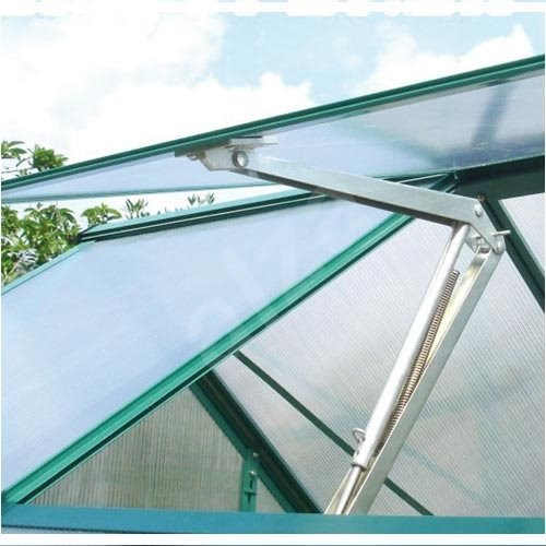 zahradní skleník ze zinkovaného plechu a polykarbonátu