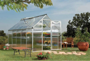 Polykarbonátový skleník s UV ochranou