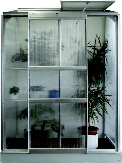 praktický polykarbonátový skleník ke stěně